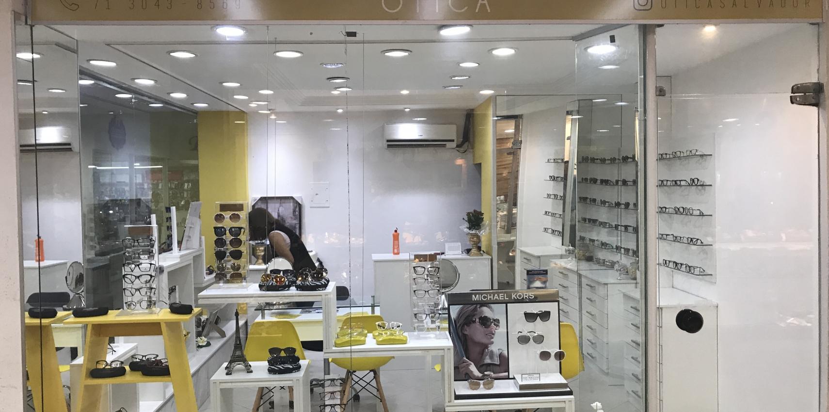 51b5b49372071 Já em funcionamento no térreo do Shopping Brotascenter a Salvador Ótica com  grandes marcas de óculos de grau e de sol